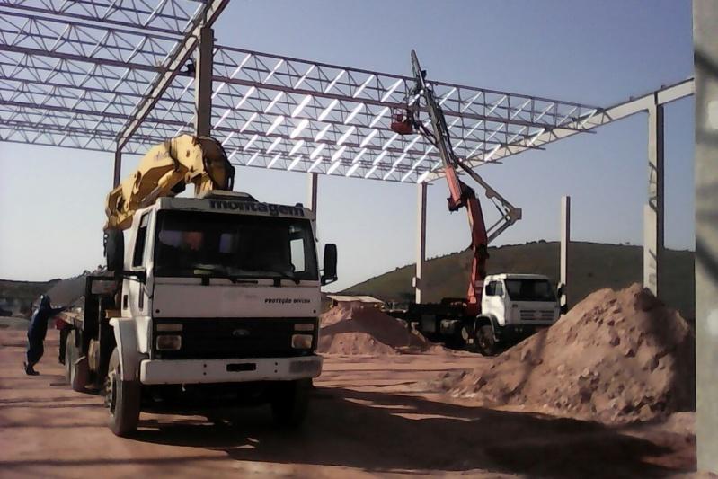 Caminhões de Transporte de Containers Preço Utinga - Caminhões de Transporte de Containers
