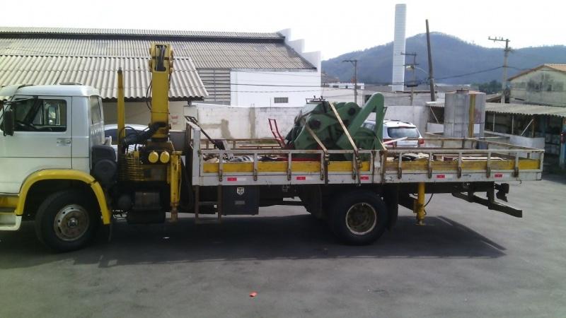 Caminhões de Transporte de Containers Bairro Santa Maria - Remoção de Container com Munck