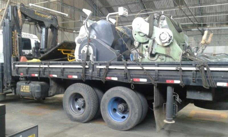 Remoção de Containers de Munck Homero Thon - Caminhão para Transporte de Containers