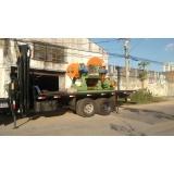 remoção de container com caminhão munck