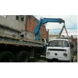 transporte de container com caminhão munck