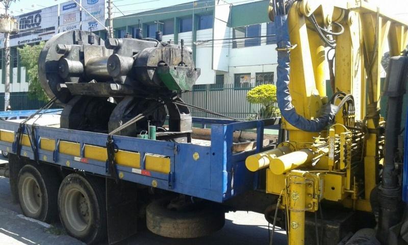 Transporte de Máquina com Munck Arujá - Transporte de Equipamentos Industriais